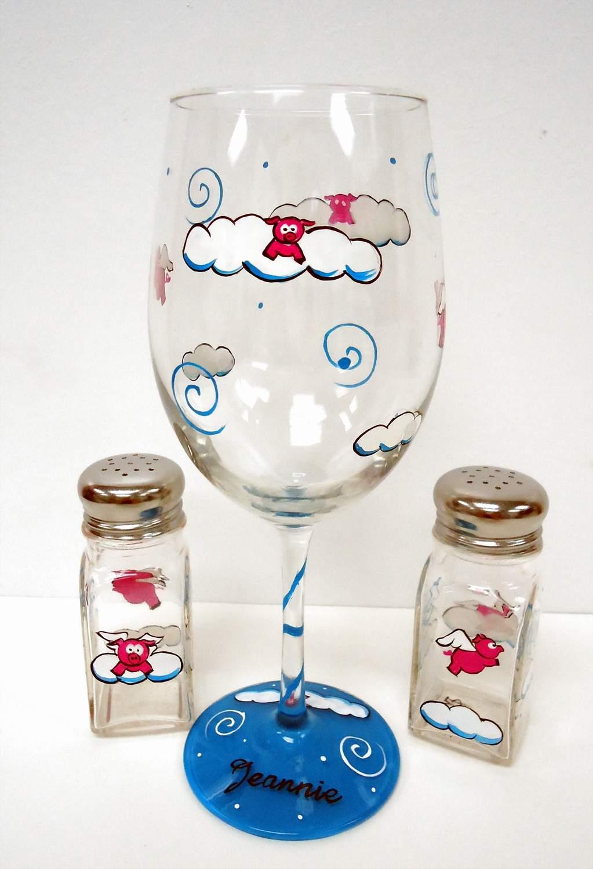 Flying Pig Wine Glass salt shaker gift set